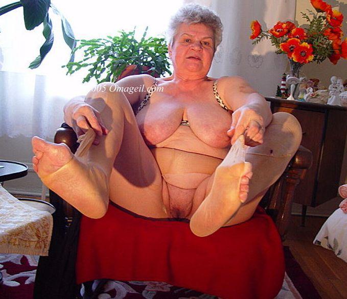 Sex gif oma Oma Sex