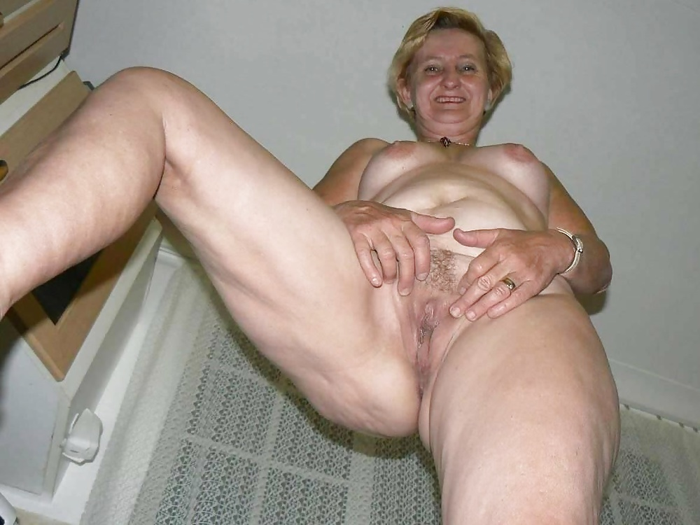 Nacked big tits girls